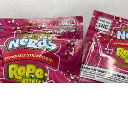 Nerds Rope Edible Candy - strawberry