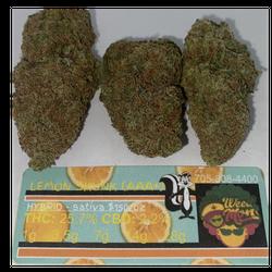 **NEW* Lemon Skunk (AAA+) THC: 25% CBD: 2.2%