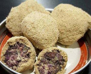 How to Make Moon Rocks